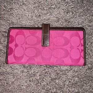 Coach Bags - Vintage Coach Pink Wallet Leatherware Collection